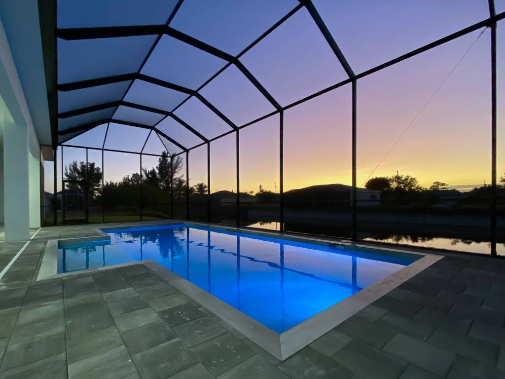 _Pool_by_night