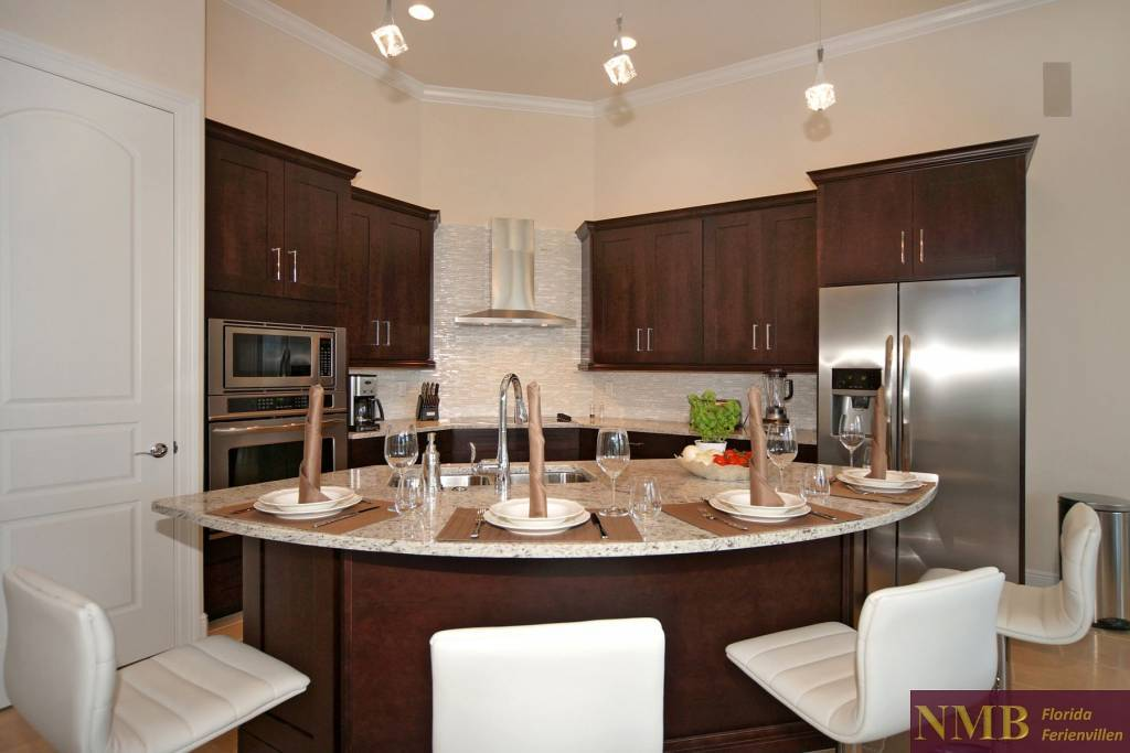Ferienhaus-Palm_Breeze-Cape_Coral-kitchen