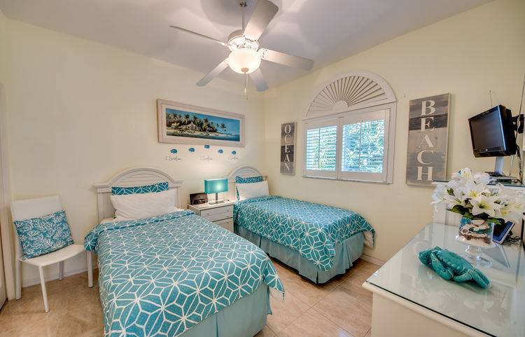 villa_slider_twin-bedroom