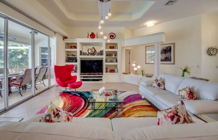 villa_slider_living-room-