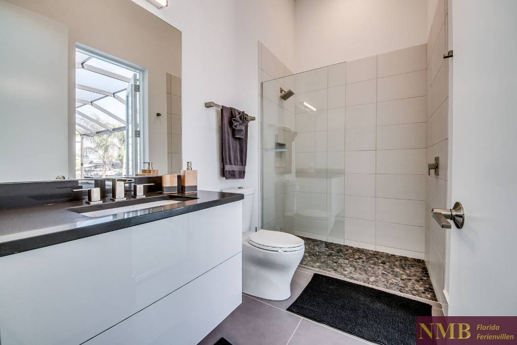 Ferienhaus_Sweet_Greta_Cape_Coral_Junior_Master_Bathroom