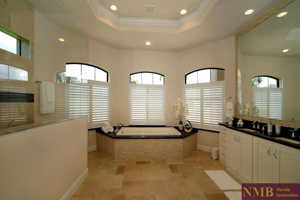 Ferienhaus-Palm_Breeze-Cape_Coral-master-bath